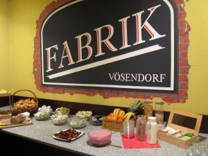 Hotel Fabrik Vösendorf, Szállodák  Vösendorf - big - 35
