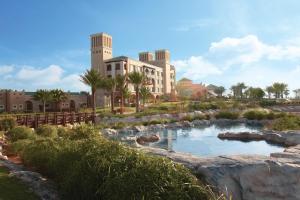 Anantara Desert Islands Resort..