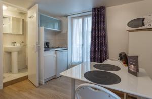 Hotel De L'Horloge, Aparthotels  Paris - big - 20