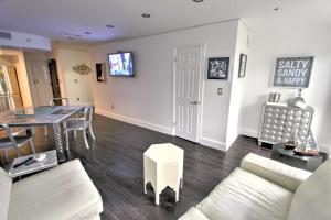 Presidential One Bedroom Apartment with Street view