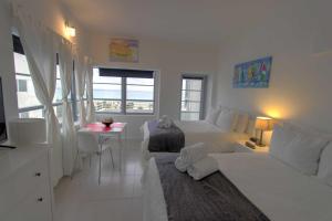 Deluxe Studio Apartment with Ocean view