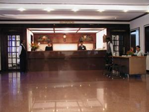 Velan Hotel Greenfields, Hotely  Tiruppūr - big - 19