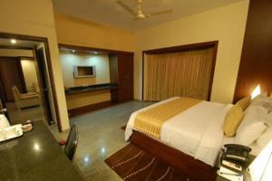 Velan Hotel Greenfields, Hotely  Tiruppūr - big - 11