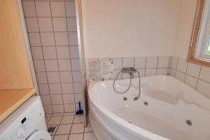 Hvide Sande Holiday Home 376, Case vacanze  Nørre Lyngvig - big - 11