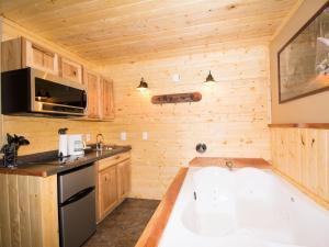 Lodge 8