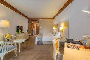 Best Western Premier Bangtao Beach Resort & Spa, Hotely  Bang Tao Beach - big - 10