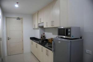 Cristies Sea Residences, Апартаменты  Манила - big - 8