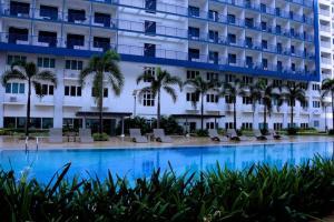 Cristies Sea Residences, Апартаменты  Манила - big - 13