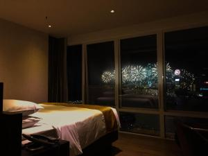 Premier Queen Room with Harbour View