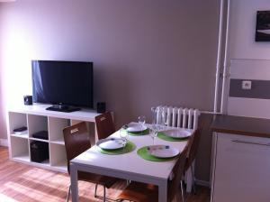 Appartement St.Cyprien, Ferienwohnungen  Toulouse - big - 26