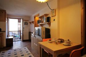 Gran Baita, Apartments  La Salle - big - 6