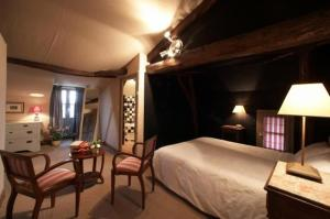 Saint-Pardoux  Room for one or two people