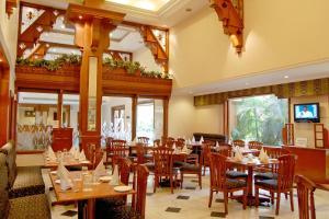 Comfort Inn Sunset, Hotels  Ahmedabad - big - 28