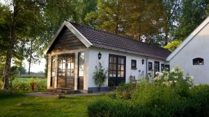 B&B Droom 44, Bed and breakfasts  Buinerveen - big - 22