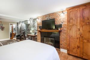 Junior Suite with Sofa Bed - Building Acadia