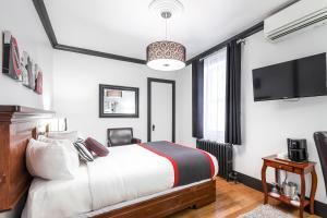 Classic Double Room - Building Acadia