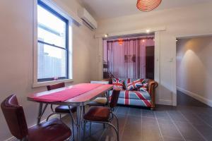 REdTRO House, Дома для отпуска  Мельбурн - big - 8