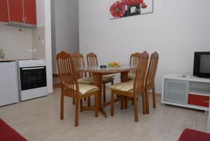 Apartments Dosljak, Apartmanok  Tivat - big - 23