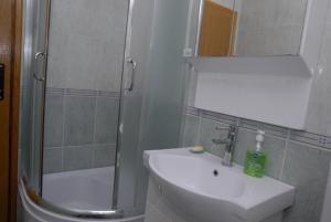 Apartments Dosljak, Apartmanok  Tivat - big - 12