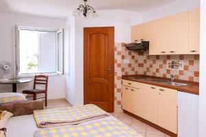 Apartments Villa Supertom, Apartmanok  Povljana - big - 36