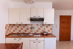 Apartments Villa Supertom, Apartmanok  Povljana - big - 21