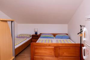 Apartments Villa Supertom, Apartmanok  Povljana - big - 9
