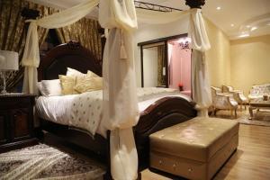 """Улучшенный номер с кроватью размера """"king-size"""""""