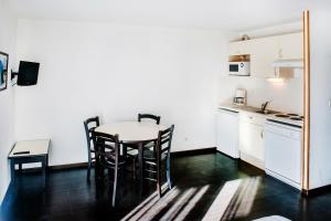 Résidence Foch, Apartmanhotelek  Lourdes - big - 21