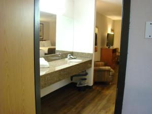 Executive Queen Suite with Two Queen Beds - Pet-Friendly