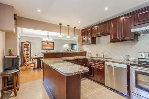 George & Wendy Home, Dovolenkové domy  Toronto - big - 5