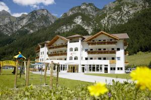 Hotel Alpin, Hotels  Colle Isarco - big - 18