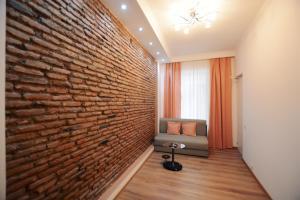 Apartment on Chakhrukhadze, Apartments  Tbilisi City - big - 1