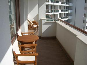 Emerald Beach Resort & SPA CTS, Apartments  Ravda - big - 3