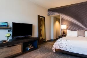 King or Double Room - Club Level
