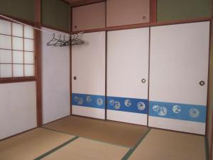 Enman Guest House Osaka, Гостевые дома  Осака - big - 4
