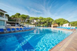 Invisa Hotel Club Cala Blanca, Hotely  Es Figueral Beach - big - 52