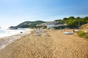 Invisa Hotel Club Cala Blanca, Hotely  Es Figueral Beach - big - 47