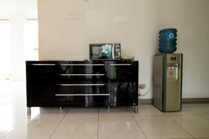 RedDoorz Plus Near Lippo Karawaci, Penziony  Tangerang - big - 15