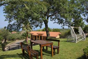 Borgo San Cosmo Tropea, Bed and breakfasts  Brattirò - big - 85
