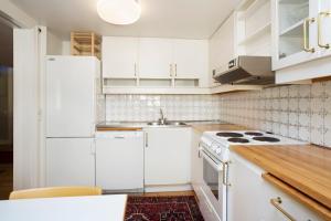 Large Two-Bedroom Apartment - Skomakargatan 26