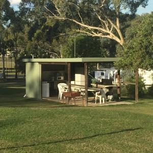 Oakridge Motel Tourist Park, Motels  Oakey - big - 69