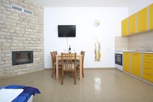 Apartments Jasmina, Apartmány  Novalja - big - 38