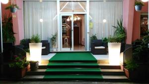Residence Madrid, Apartmánové hotely  Lido di Jesolo - big - 16