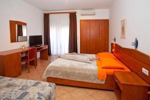 Guesthouse Villa Adria, Penziony  Malinska - big - 27