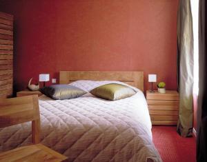Domaine de La Corbe, Bed and Breakfasts  Bournezeau - big - 24