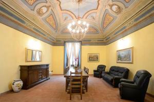 Palazzo Centro, Отели типа «постель и завтрак»  Ницца-Монферрато - big - 80