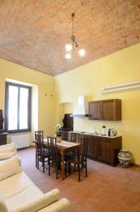 Palazzo Centro, Отели типа «постель и завтрак»  Ницца-Монферрато - big - 75