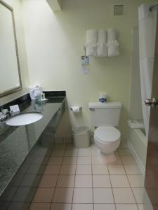 Quality Suites Orlando Close to I-Drive, Hotels  Orlando - big - 9