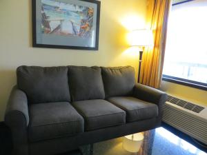 Suite with Two Double Beds with Sofa Bed - Pool Side