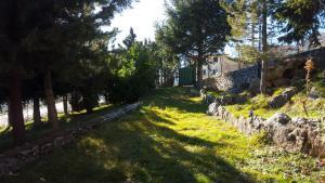 Villa Panoramica Belvedere, Apartmanok  Scontrone - big - 5